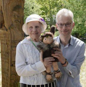 Sofija Vainilaitienė ir Justinas Žilinskas su Gugiu