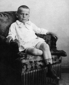 Tėvas Vytautas Sirijos Gira. 1916 m.