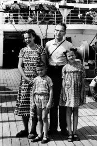 Su tėvais ir broliu keliaujant Juodąja jūra. XX a. šeštasis dešimtmetis