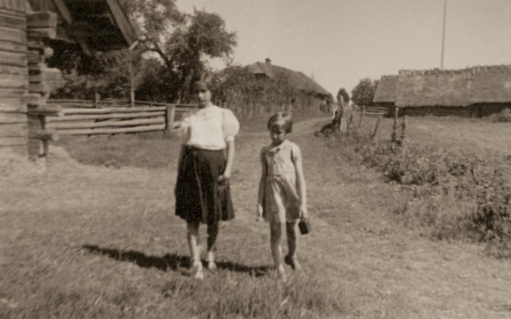 Irutė ir Taida Musteikytės, 1934 m.