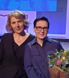 Ilona Ežerinytė (dešinėje) su savo knygų leidėja Ramune Landsbergiene