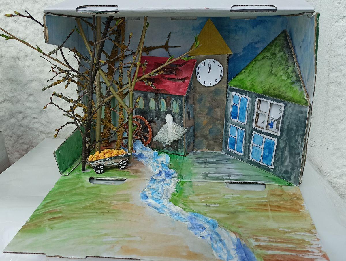"""Simono sukurta diorama pagal Neringos Vaitkutės """"Klampynių kronikų"""" knygą"""