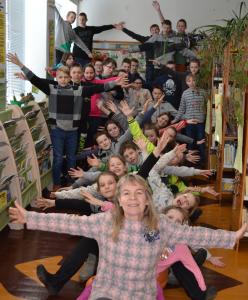 Danutė Miknevičienė su mokiniais