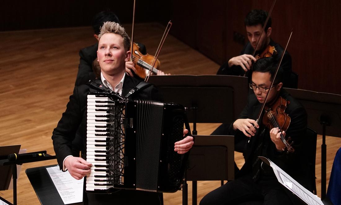 Martynas Levickis ir Honkongo kamerinis orkestras. 2018 m.