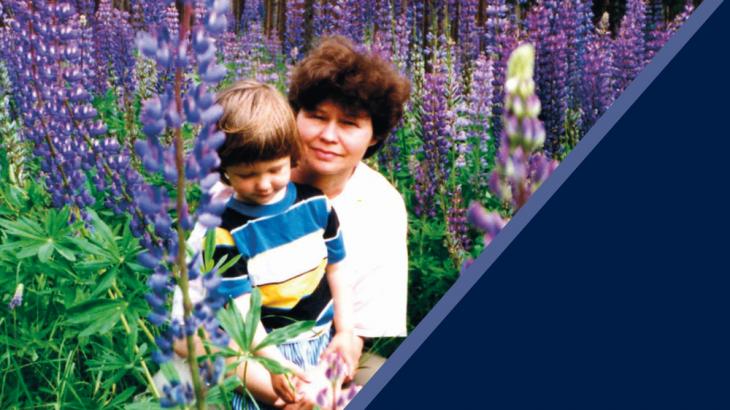 Jonė Ramunytė su sūnumi Mykolu Labanore, apie 1995 m. Nuotrauka iš asmeninio Jonės Ramunytės archyvo